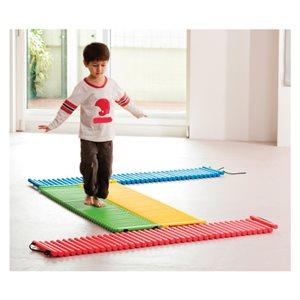4 tapis fait de bâtons rigides